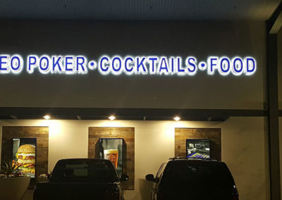 video-poker-cocktails-food
